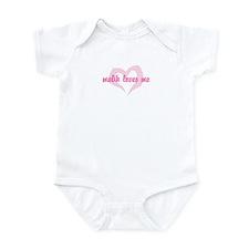 """""""malik loves me"""" Infant Bodysuit"""