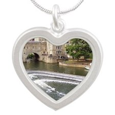 MousePad_EnglishTown_Covered Silver Heart Necklace