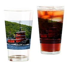 (15s) sub tug Drinking Glass