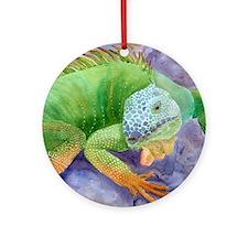 iguana-upsize Round Ornament