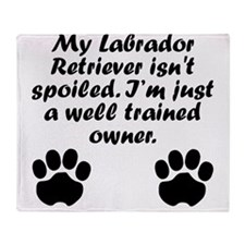 Well Trained Labrador Retriever Owner Throw Blanke