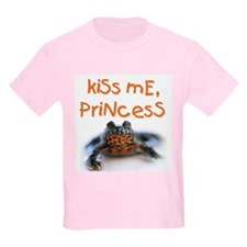 Kiss Me, Princess (A) Kids T-Shirt