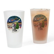 Xmas Magic (R) - Alaskan Malamute Drinking Glass