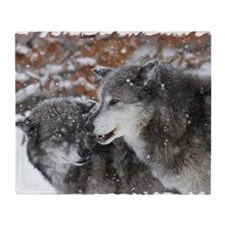 xW shn wolf Throw Blanket