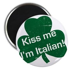 Kiss-me-I-am-italiam-simple-whit.gif Magnet