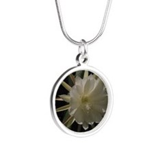 epiphyte Silver Round Necklace