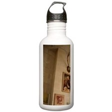 The interior view of t Water Bottle