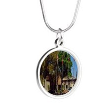 Sahib Shrine2.5x3.5 Silver Round Necklace