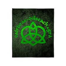 Gaelic-Love-Knot-poster Throw Blanket