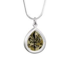 AntiqFleurGsc443iph Silver Teardrop Necklace
