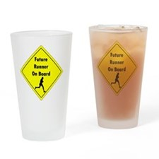 Future Runner On Board Maternity T- Drinking Glass