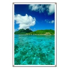 The clear South Pacific Ocean with bungalow Banner