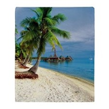 Palm tree on the beach, Rangiroa Lag Throw Blanket