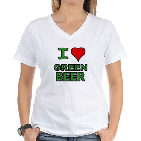 I heart Green Beer Women's V-Neck T-Shirt