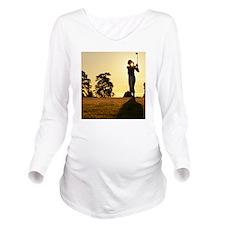 Female golfer swingi Long Sleeve Maternity T-Shirt