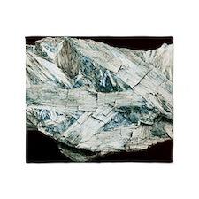 Tremolite crystals Throw Blanket
