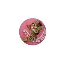 Closed Up Image of a Kitten, Sitting i Mini Button