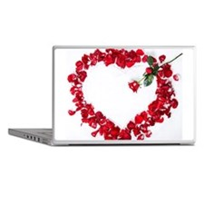 Rose petals arranged in heart shape o Laptop Skins