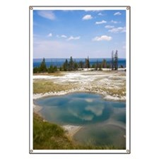 USA, Wyoming, West Thumb Geyser Basin, Yell Banner