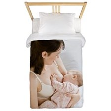 Mother breastfeeding baby girl 3-6 mont Twin Duvet