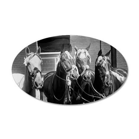 Racehorses Royal Gris, Nomin 35x21 Oval Wall Decal