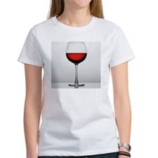 Close-up of a glass of red wine Tee