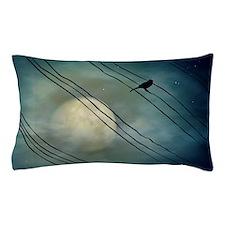 Bird in moonlight, Belo Horizonte. Pillow Case