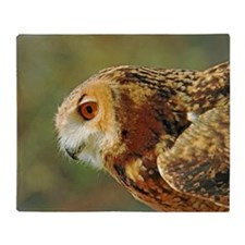 Eagle owl ready to take off Throw Blanket