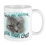 Qui m'aime, aime mon chat 2-sided Coffee Mug