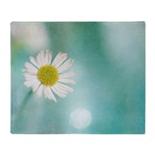 Small delicate white daisy Throw Blanket