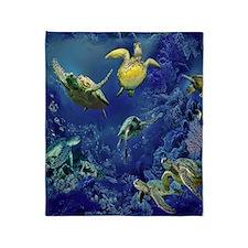 aquarium of sea turtle Throw Blanket