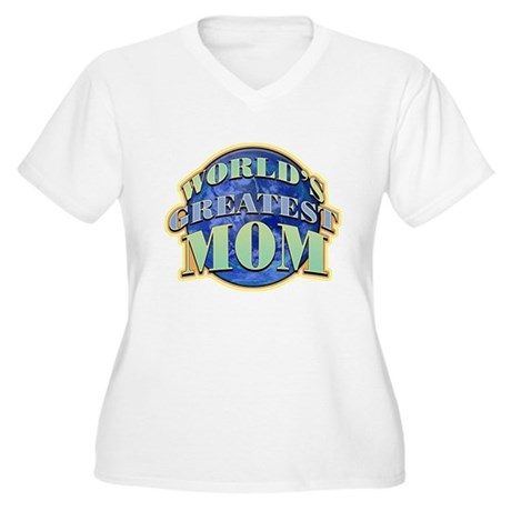 World's Greatest Mom Women's Plus Size V-Neck Tee