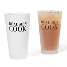Real men cook Drinking Glass