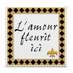 L'amour Fleurit Ici Tile Coaster