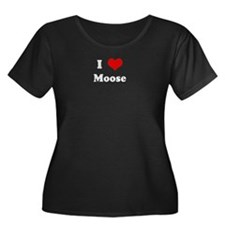 I Love Moose Women's Plus Size Scoop Neck Dark T-S