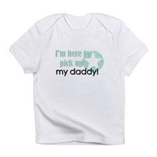 Funny My daddy is a soldier Infant T-Shirt