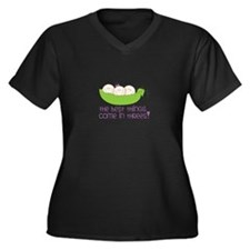 tHe best tHinGs come in tHRess! Plus Size T-Shirt