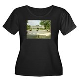 Women's Plus Size Reunification Palace T-Shirt