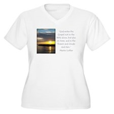 Martin Luther Nature quote Plus Size T-Shirt