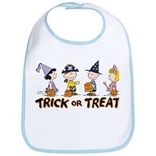 The Peanuts Gang: Trick or Treat Bib