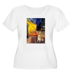 Cafe & Golden Women's Plus Size Scoop Neck T-Shirt