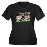 Kangaroo Mum Women's Plus Size V-Neck Dark T-Shirt
