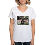 Kangaroo Mum Women's V-Neck T-Shirt