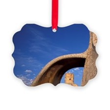 Also known as Casa Milaarcelona.  Ornament