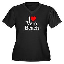"""""""I Love Vero Beach"""" Women's Plus Size V-Neck Dark"""