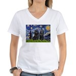 Starry Night & Schipperke Women's V-Neck T-Shirt