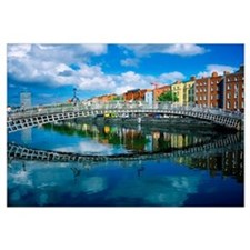 Ha'penny Bridge, River Liffey, Dublin, Ireland