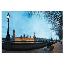 UK, Panoramic view of Houses of Parliament at dusk