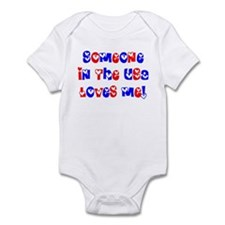 Someone in the USA Loves Me Infant Bodysuit