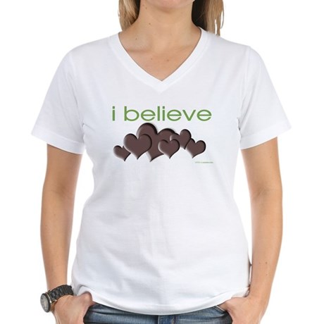 I believe in chocolate Women's V-Neck T-Shirt